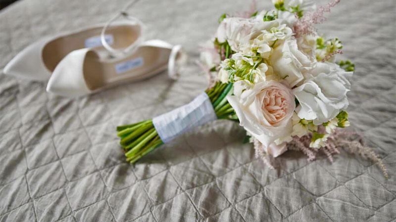هر چیزی که باید درباره خرید بهترین مدل روتختی عروس بدانید