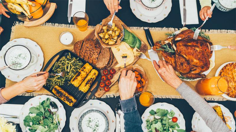 ۵ نکته طلایی در انتخاب رومیزی شیک برای میز ناهارخوری