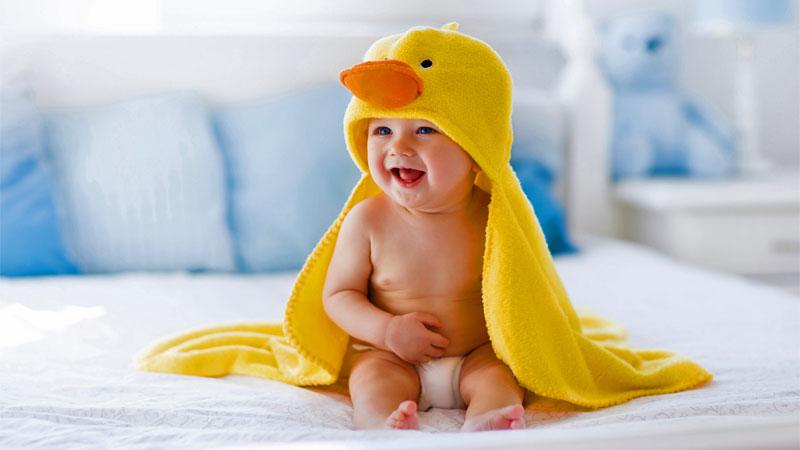 حوله کلاه دار، بهترین انتخاب سرویس حوله نوزاد پسر