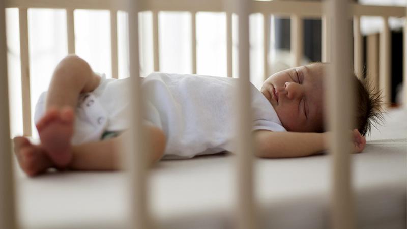 استاندارد گارد تخت نوزاد