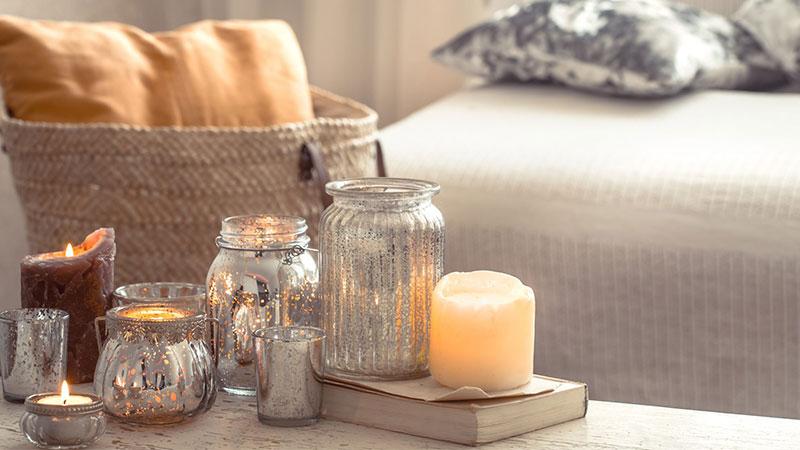 چیدمان شمع در اتاق