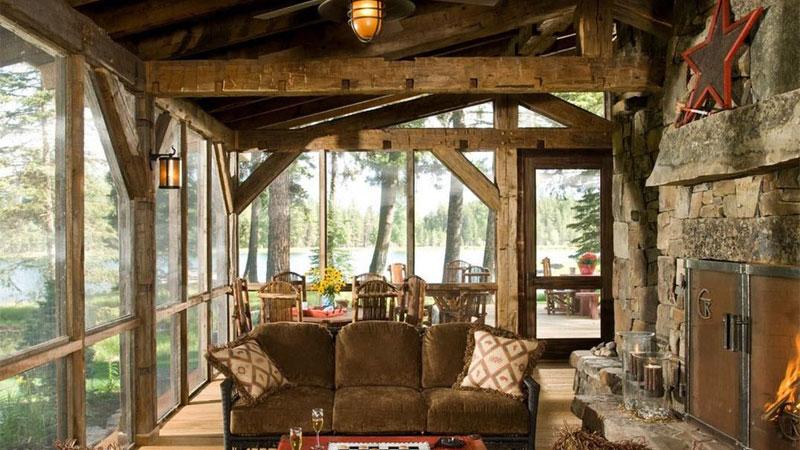سقف و کف چوبی، از مهمترین عناصر در چیدمان به سبک روستیک