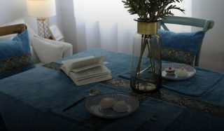راهنمای خرید رومیزی مناسب؛ برای میزناهارخوری تا میز جلومبلی